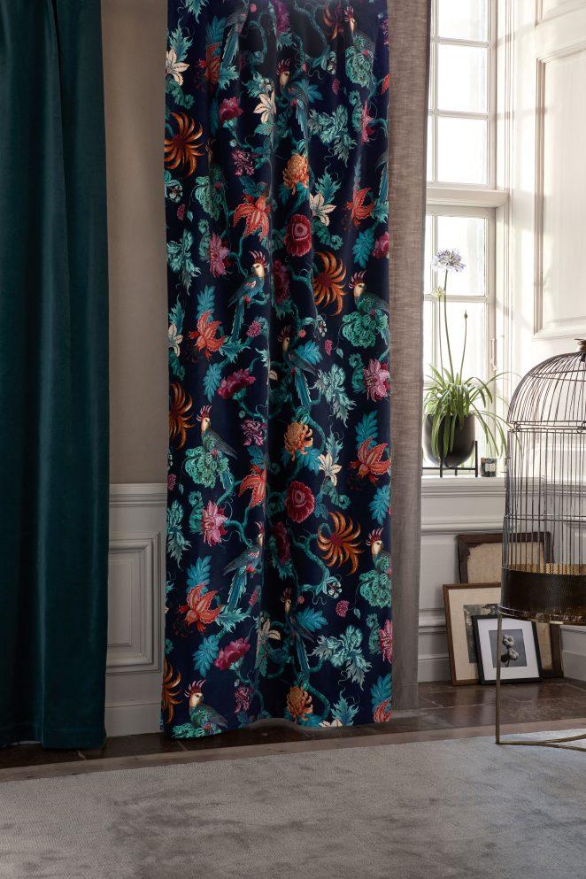 rideaux en velours à motifs fleuris