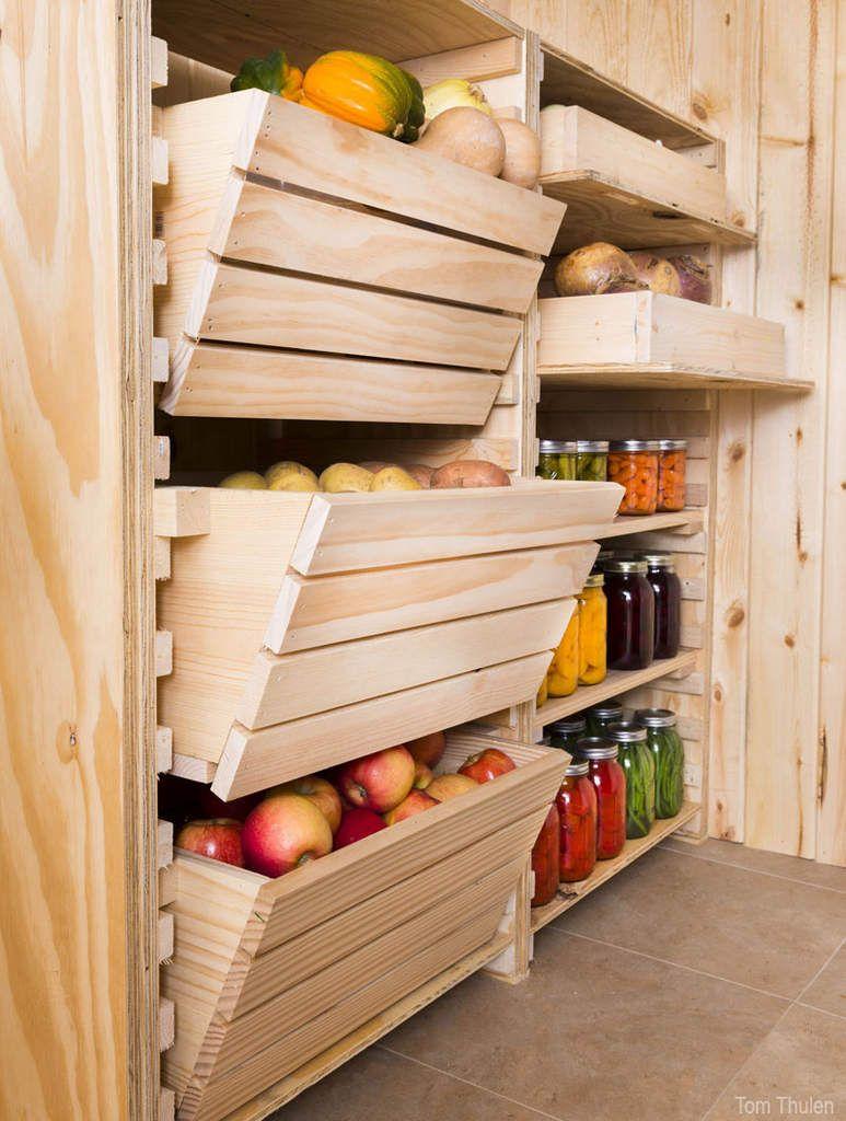 fruits et légumes dans cagettes en bois brut