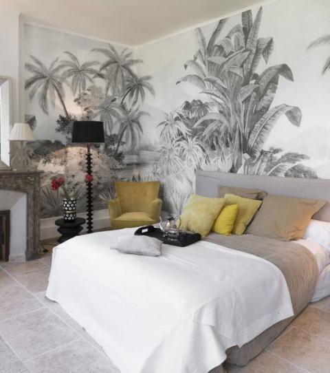 papier peint tropical à motifs noirs et blancs pour une déco exotique