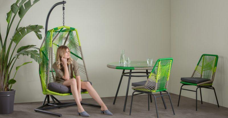 mobilier d'extérieur en polyrotin vert pour une déco été à l'intérieur