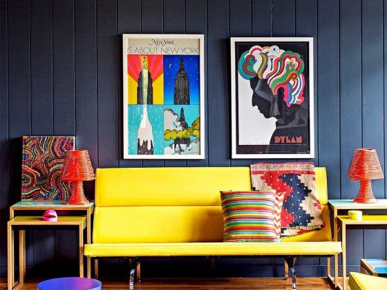 un salon tout en couleurs au style déco pop art