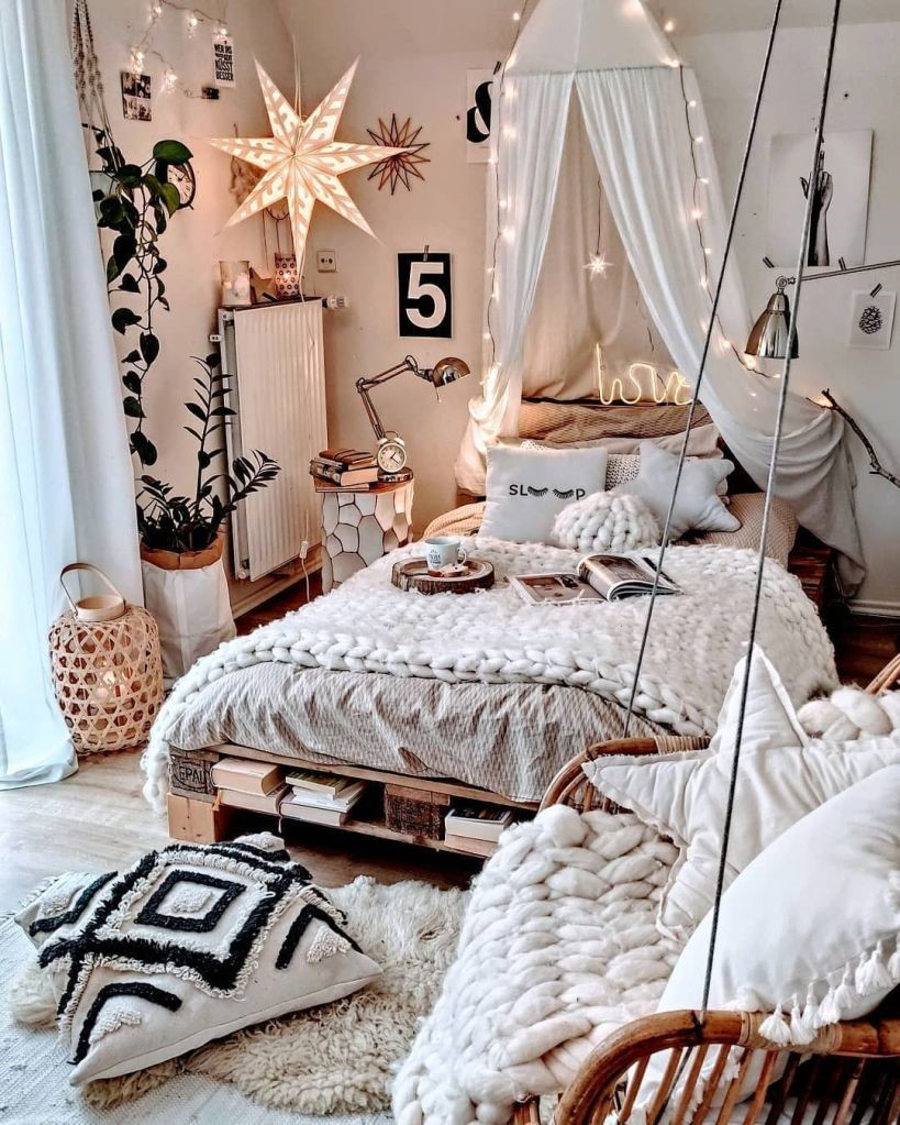 chambre-a-coucher-avec-des-textiles-en-matieres-douces