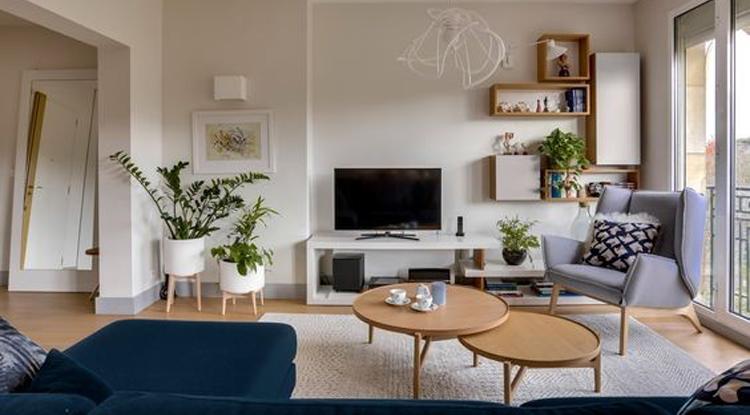 meuble-tv-avec-des-rangements-dans-un-salon-deco-scandinave